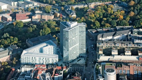 Bild: Das Emporio in Hamburg, Hauptsitz der Union Investment Real Estate Gruppe.